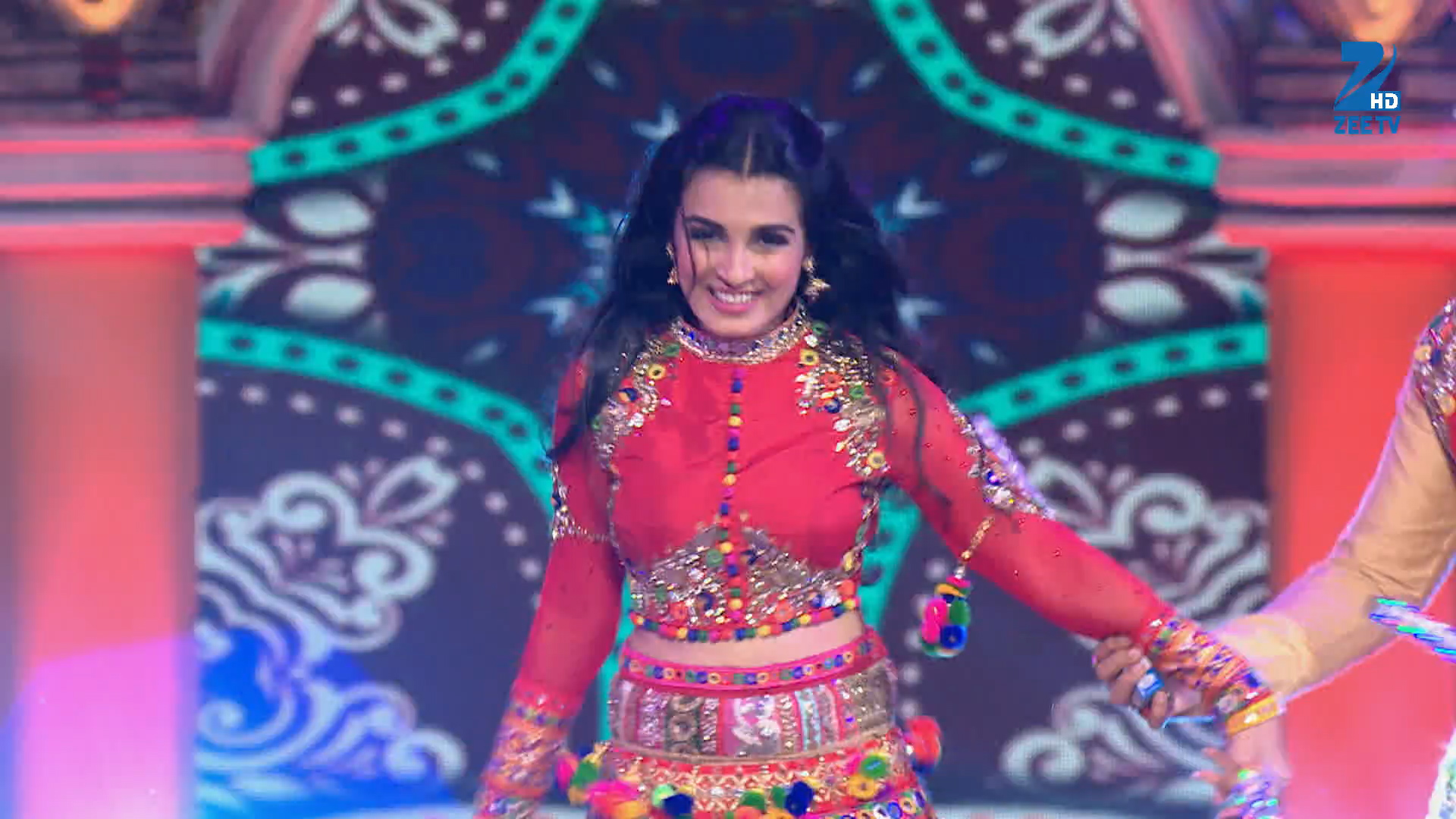 Rishtey Daar - Performance - Episode 1 - December 06, 2015 - Zee Rishtey Awards 2015
