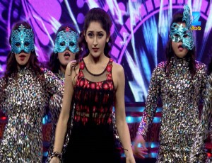 Sayesha Saigal - Performance - April 23, 2017 - Apsara Awards 2017