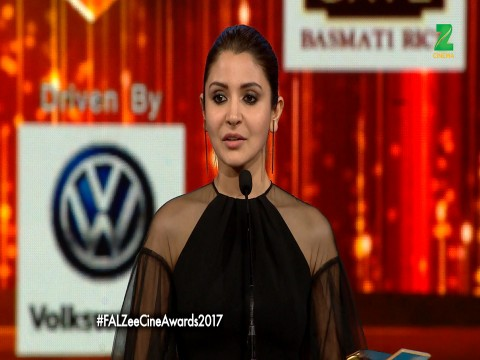 Anushka Sharma wins The Best Actor (Female) Viewers Choice Award for Sultan at ZCA 2017