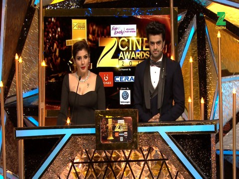 Salman Khan wins The Best Actor Viewers Choice Award for Sultan at ZCA 2017