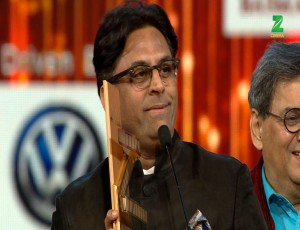 Ram Madhvani Wins The Best Director Award For Neerja At ZCA 2017