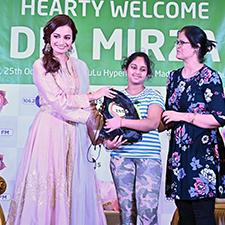 ZEE5 Global and LuLu give customers in Dubai and Abu Dhabi a chance to celebrate Diwali with Dia Mirza