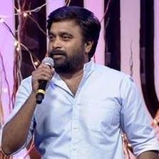 Actor-Director Sasikumar visits the sets of Zee Tamil's Sa Re Ga Ma Pa