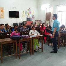 ZIMA Academic Head Dr. Saxena conducts a Workshop on Social Media at Aditi Mahavidyalaya of Delhi University