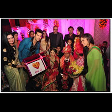 The cast of &TV's Ek Vivaah Aisa Bhi gatecrash a wedding in Lucknow