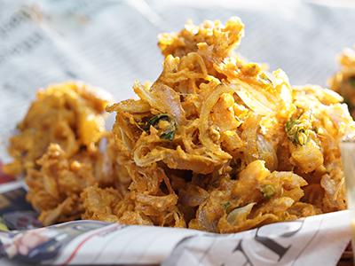 Onion Pakoda - Deep fried nuggets of contentment!