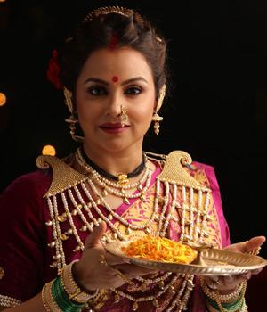 Gurdeep Kohli as  Ahilya Devi / Sethji