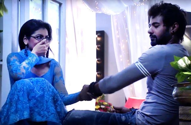 Abhi-Pragya's Romantic Moment – Kumkum Bhagya
