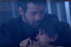 Abhi Saves Pragya's  Life – Kumkum Bhagya