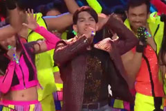 Aditya Narayan Performs On 'Tattad Tattad' | Zee Rishtey Awards 2016