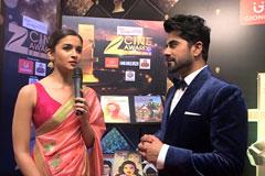 Alia Bhatt on the red carpet of Zee Cine Awards 2017 - Exclusive