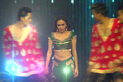 Amruta Khanvilkar Performs On Tu Cheez Badi Hain | DID 2017 Grand Premiere | Before TV