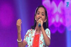 Anjili Gaikwad Sings Mai Ri Main Kase Kahoon Sa Re Ga Ma Pa Lil Champs 2017 - October 8, 2017   ZEETV