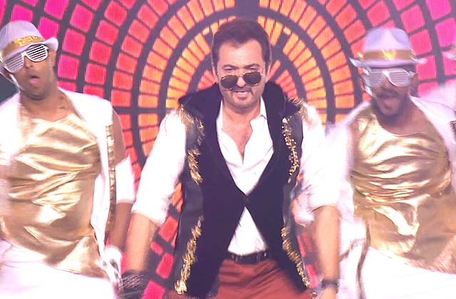 Avinash Wadhawan's Stylish Performance | Zee Rishtey Awards 2017