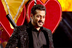 ZEE Cine Awards 2017 Exclusive - Salman's Heart Touching Performance | OZEE
