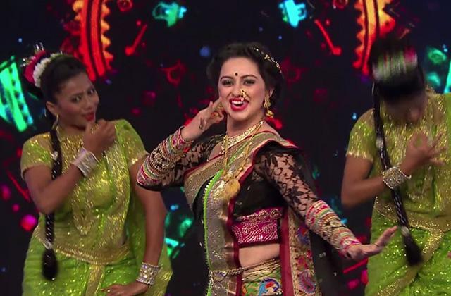 Bhargavi Chirmule, Shruti Marathe & Sanskruti Balgude Stunning Performance - Timeless Asha |ZEECLASSIC