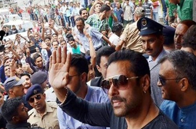 Crazy Fans Go Super-Crazy Over Salman Khan