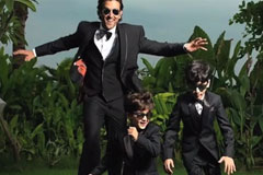 Hrithik shares a picture on instagram with his children