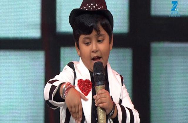 Jayas Kumar Sings Nayak Nahi Khalnayak Hoon Main Sa Re Ga Ma Pa Lil Champs 2017 - September 16, 2017 | ZEETV