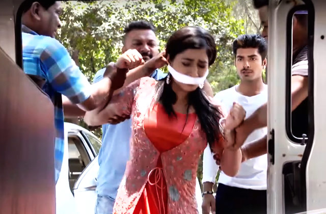 Jhanvi Gets Kidnapped – Woh Apna Sa