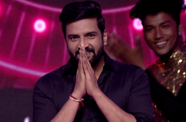 Kalakal Nayakan Santhanam | 1st January at 9 AM only on Zee Tamil