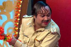 Li'l Krishna & Radha's Naughty Prank With Happu Singh!