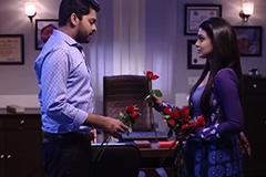 Manasi Give Roses To Vikrant For Spend The Anger – Khulata Kali Khulena
