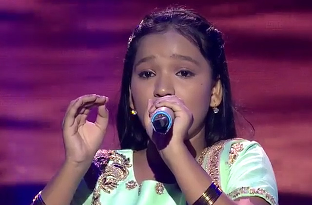 Nandini Gaikwad Sing Shyam Teri Bansi On Shree Krishna Janmashtami Special at Sa Re Ga Ma Pa Lil Champs 2017 - August 12, 2017 | ZEETV