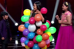 Neha Kakkar Wrapped In Balloons | Moment | The Voice India Kids - Season 2