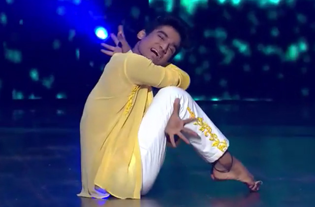 Paramdeep Performs On Kal Ho Na Ho | Dance India Dance 2017 – January 21 | ZEETV