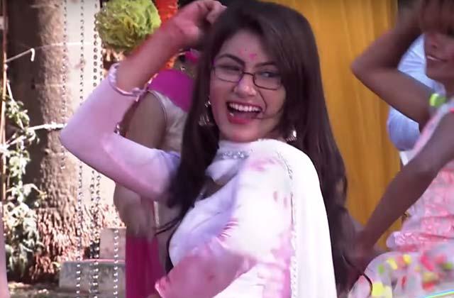 Pragya-Abhi Dance On Balam Pichkari - Kumkum Bhagya