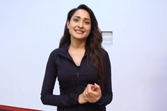Pragya Jaiswal Happy About Women Talent Being Recognised At Apsara Awards 2017 | Exclusive