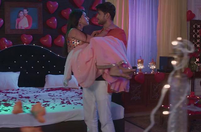 Prem & Tejaswini's Filmy Romance! | Aisi Deewangi...Dekhi Nahi Kahi | ZEETV