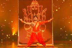 Punyakar's Freestyle Bollywood Dance Style Performance On Moraya re Moraya Song Dance India Dance 2017 - November 18 | ZEETV