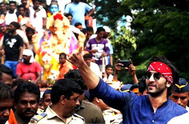 Ranbir Kapoor At Ganesh Visarjan