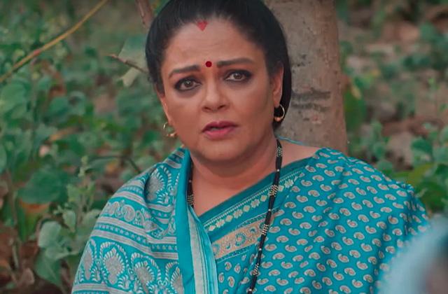 Rani & Her Family Leave Vani's House - Vanni Rani | &(AndTv)