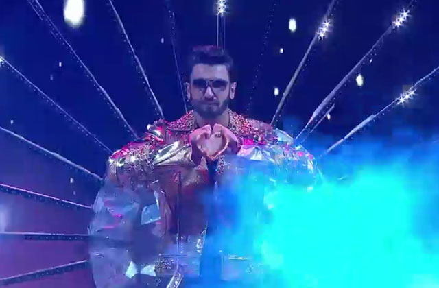 Ranveer Singh's Full Performance | Zee Cine Awards 2018 | OZEE Exclusive