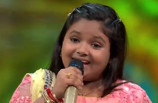 Riya Biswas Sing Bada Natkhat Hai On Shree Krishna Janmashtami Special at Sa Re Ga Ma Pa Lil Champs 2017 - August 12, 2017 | ZEETV