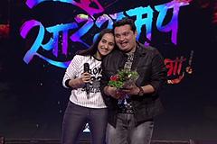 Romantic proposal for Ravi Jadhav |  Sa Re Ga Ma Pa Ghe Panga Kar Danga - BEFORE TV | ZEE Marathi