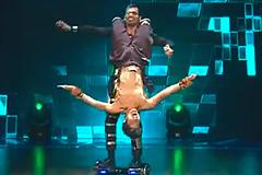 Sachin & Rahul's Hip Hop Style Dance Performance on Main Khiladi Tu Anari Song Dance India Dance 2017 - December 2   ZEETV