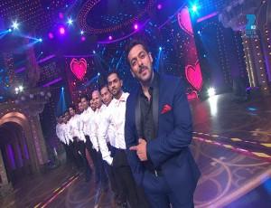Salman Khan Performance on Main Hoon Hero Tera & Pehla Pehla Pyaar Hai | Big Entertainment Awards 2017 | OZEE Exclusive