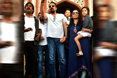 Sanjay Dutt Visit Taj Mahal With Wife Manyata