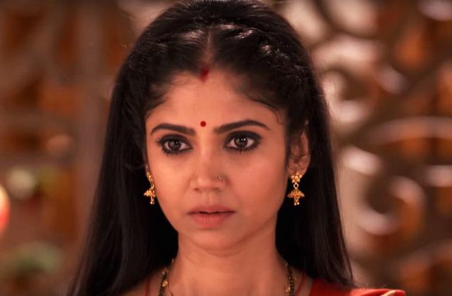 Santoshi Gets Trapped – Santoshi Maa