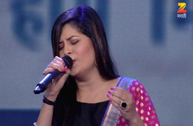 Savani Ravindra Sings Title Track Of Oon Paus | Nakshatranche Dene | Zee Marathi