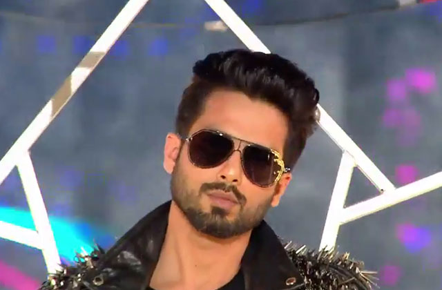 Shahid Kapoor's Full Performance | Zee Cine Awards 2018 | OZEE Exclusive