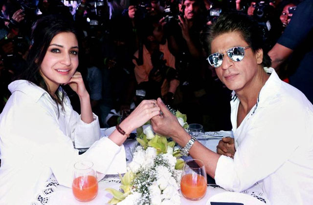 Shahrukh & AbRam Make A Cute Appearance On EID