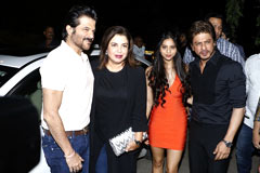 Shahrukh Khan Parties With Daughter Suhaana