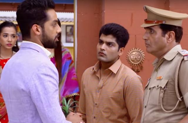 Shaurya Blames Mohit - Zindagi Ki Mehek | ZEETV