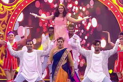 Shobha & Mohini's Amazing Performance | Zee Marathi Awards 2017