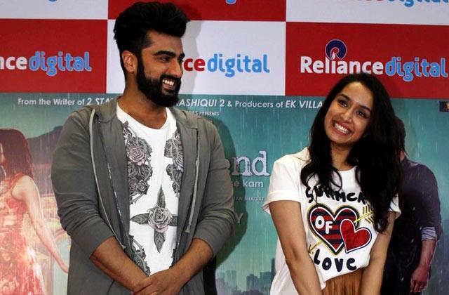Shraddha Kapoor & Arjun Kapoor's Fun Interaction With Media